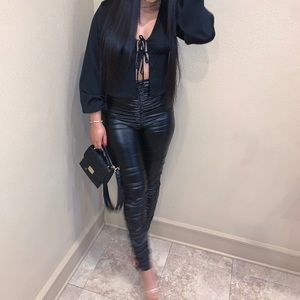 Scunched leather leggings